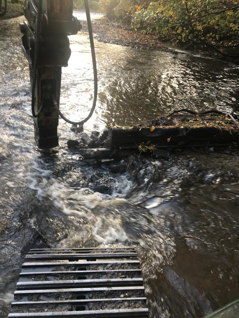 Weir removal on the River Tonge